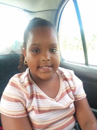 Help Yandeiry by becoming a child sponsor. Sponsoring a child is a rewarding and heartwarming experience.