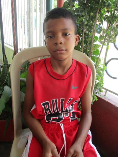 Help Rafael Junior by becoming a child sponsor. Sponsoring a child is a rewarding and heartwarming experience.