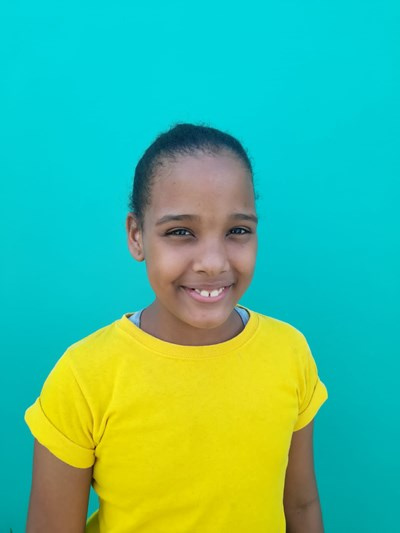 Help Yerely by becoming a child sponsor. Sponsoring a child is a rewarding and heartwarming experience.
