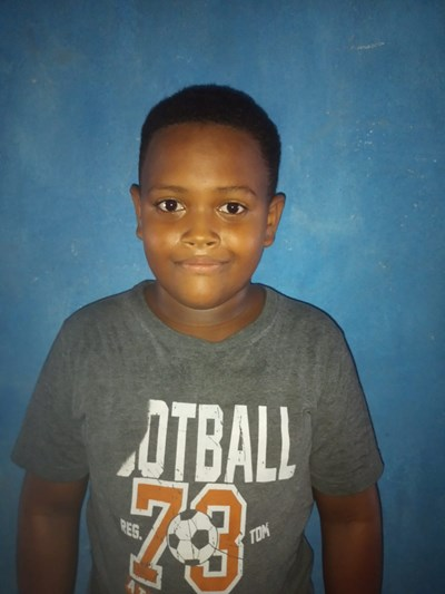 Help Jhonatan Sneyder by becoming a child sponsor. Sponsoring a child is a rewarding and heartwarming experience.