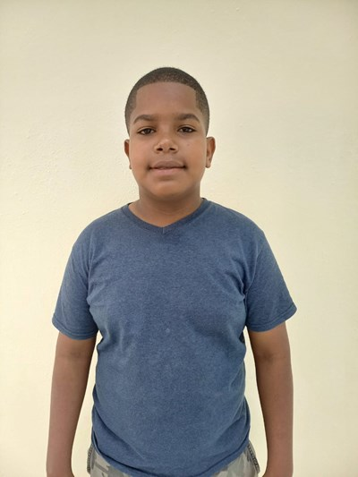 Help Yoskar David by becoming a child sponsor. Sponsoring a child is a rewarding and heartwarming experience.