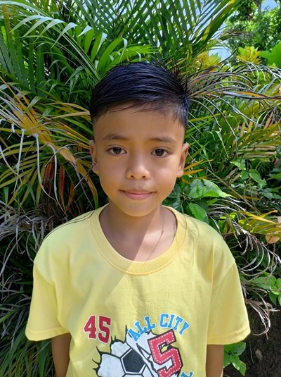 Help Zymond Jade Vargas by becoming a child sponsor. Sponsoring a child is a rewarding and heartwarming experience.