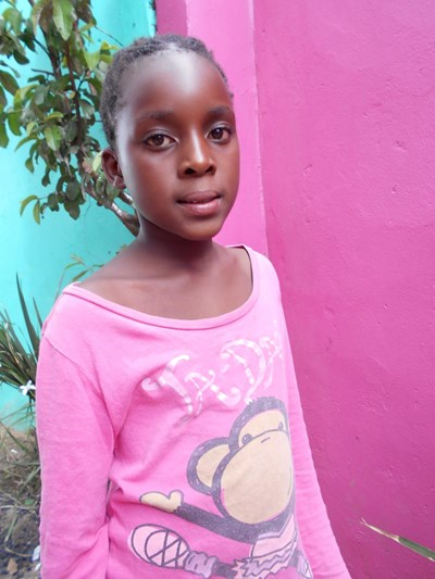 Help Christellia by becoming a child sponsor. Sponsoring a child is a rewarding and heartwarming experience.