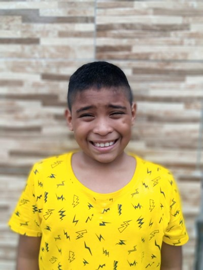 Help Renso Carlos by becoming a child sponsor. Sponsoring a child is a rewarding and heartwarming experience.