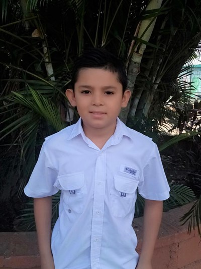 Help Anthony Josue by becoming a child sponsor. Sponsoring a child is a rewarding and heartwarming experience.