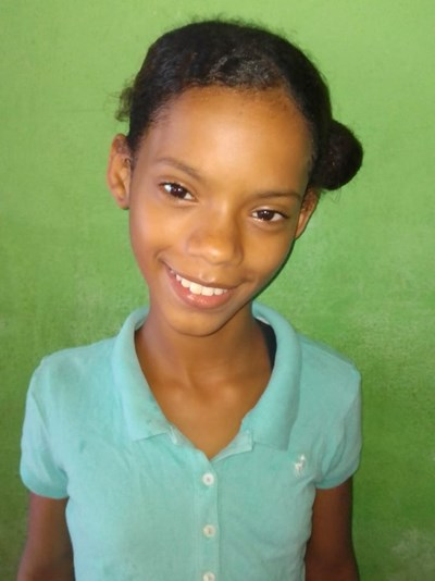 Help Yenniffer by becoming a child sponsor. Sponsoring a child is a rewarding and heartwarming experience.