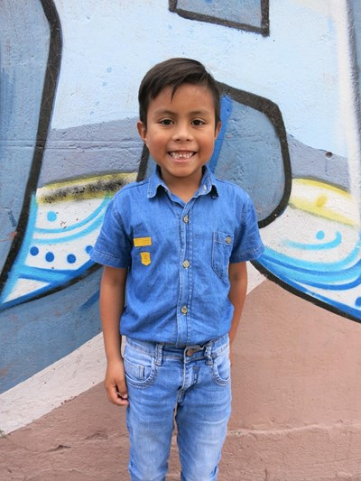 Help David Alejandro by becoming a child sponsor. Sponsoring a child is a rewarding and heartwarming experience.
