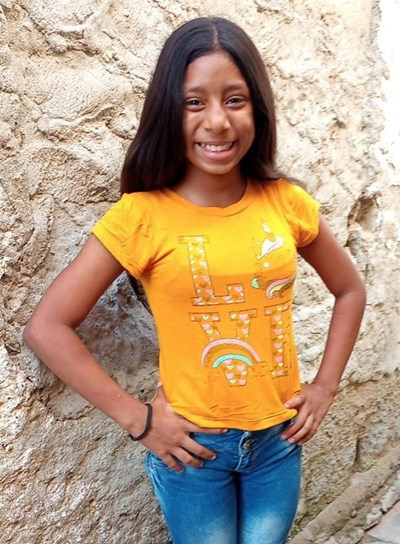 Help Johana Sofis by becoming a child sponsor. Sponsoring a child is a rewarding and heartwarming experience.
