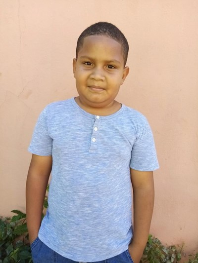 Help Richard José by becoming a child sponsor. Sponsoring a child is a rewarding and heartwarming experience.