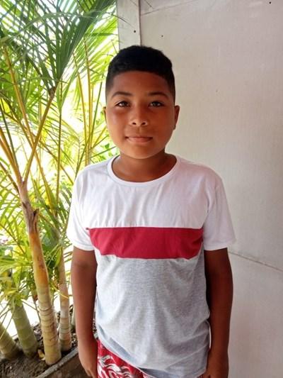 Ayude a Matias Josue apadrinándole hoy. El apadrinamiento es una experiencia hermosa y gratificante.