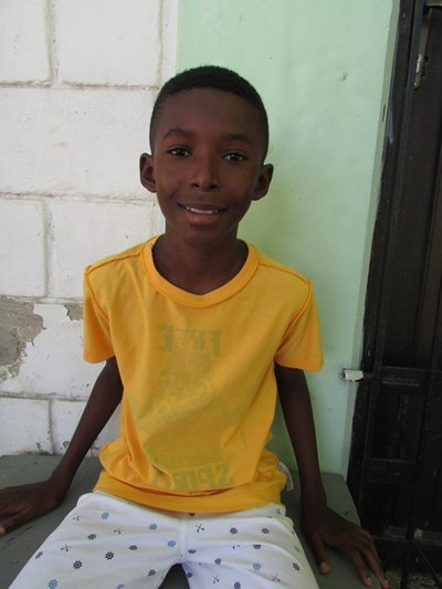 Help Amauris by becoming a child sponsor. Sponsoring a child is a rewarding and heartwarming experience.
