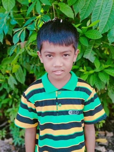 Help Xian M. by becoming a child sponsor. Sponsoring a child is a rewarding and heartwarming experience.