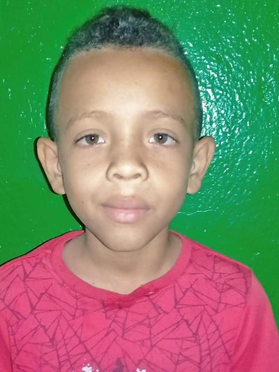Help Leonard David by becoming a child sponsor. Sponsoring a child is a rewarding and heartwarming experience.