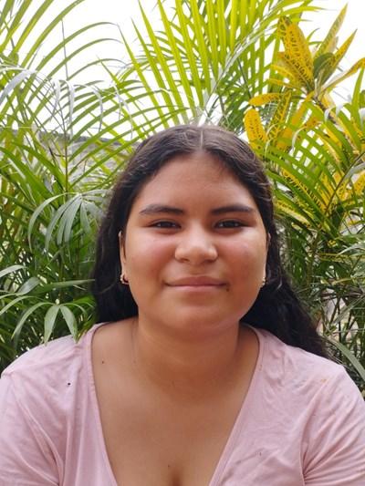 Ayude a Noelia Anahi apadrinándole hoy. El apadrinamiento es una experiencia hermosa y gratificante.