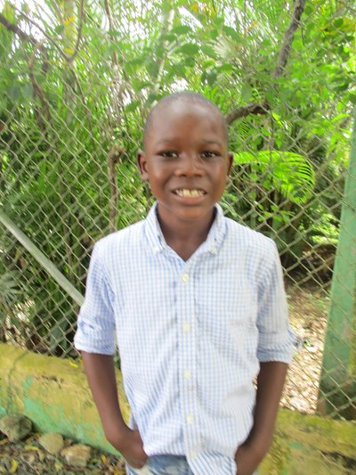 Help Antoni by becoming a child sponsor. Sponsoring a child is a rewarding and heartwarming experience.