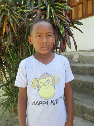 Help Jeifer Rafael by becoming a child sponsor. Sponsoring a child is a rewarding and heartwarming experience.