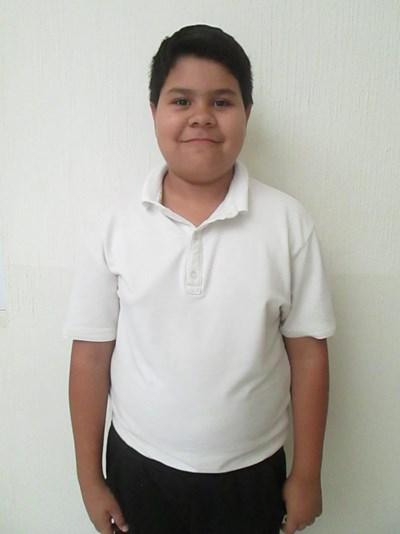 Ayude a Dorián Gustavo apadrinándole hoy. El apadrinamiento es una experiencia hermosa y gratificante.