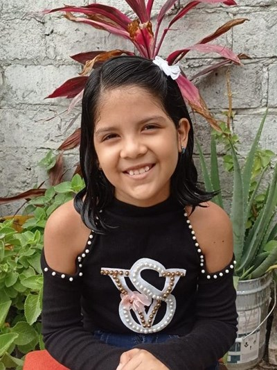 Help Edith Magdalena by becoming a child sponsor. Sponsoring a child is a rewarding and heartwarming experience.