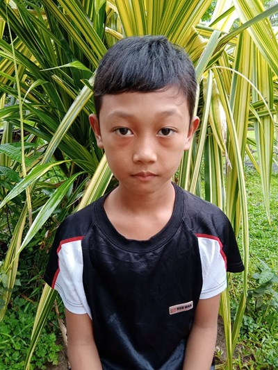Help Vin Yahzee A. by becoming a child sponsor. Sponsoring a child is a rewarding and heartwarming experience.