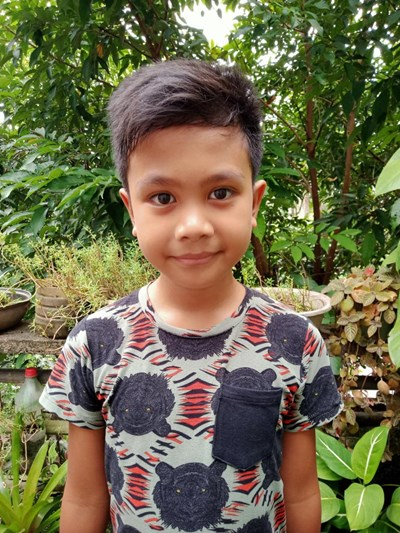 Help Honesto C. III by becoming a child sponsor. Sponsoring a child is a rewarding and heartwarming experience.
