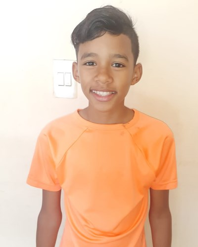Help Bladimir by becoming a child sponsor. Sponsoring a child is a rewarding and heartwarming experience.
