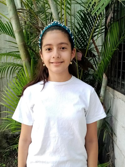 Help Suany Yocsary by becoming a child sponsor. Sponsoring a child is a rewarding and heartwarming experience.