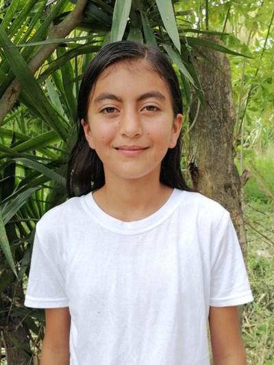 Ayude a Keylin Paola apadrinándole hoy. El apadrinamiento es una experiencia hermosa y gratificante.