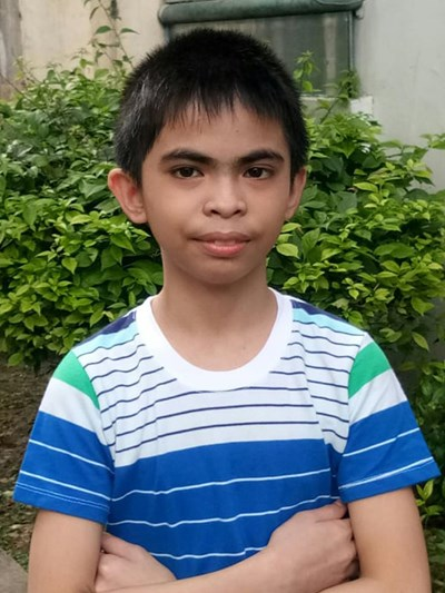Help Jhondave by becoming a child sponsor. Sponsoring a child is a rewarding and heartwarming experience.