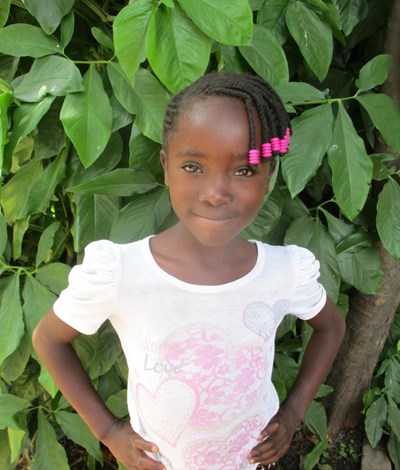 Help Tina by becoming a child sponsor. Sponsoring a child is a rewarding and heartwarming experience.