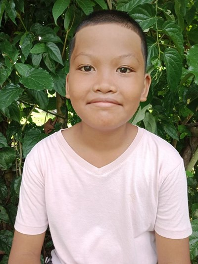 Help Zirkenn Benedict A. by becoming a child sponsor. Sponsoring a child is a rewarding and heartwarming experience.