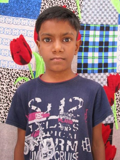 Help Anshu by becoming a child sponsor. Sponsoring a child is a rewarding and heartwarming experience.