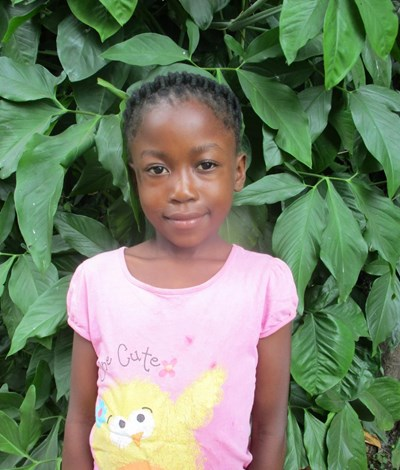 Help Hellen by becoming a child sponsor. Sponsoring a child is a rewarding and heartwarming experience.