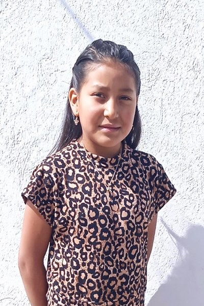 Ayude a Estefani Cristina apadrinándole hoy. El apadrinamiento es una experiencia hermosa y gratificante.