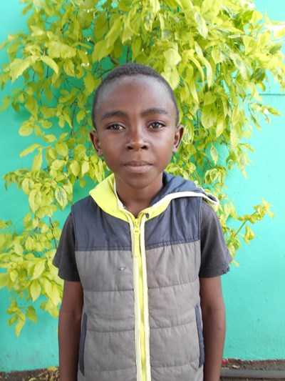 Help Alvin by becoming a child sponsor. Sponsoring a child is a rewarding and heartwarming experience.
