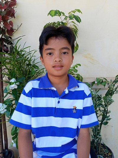 Help Melmar A. by becoming a child sponsor. Sponsoring a child is a rewarding and heartwarming experience.
