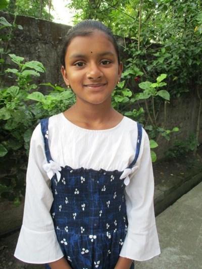 Ayude a Trisha apadrinándole hoy. El apadrinamiento es una experiencia hermosa y gratificante.