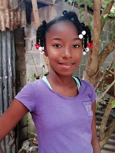 Help Paola by becoming a child sponsor. Sponsoring a child is a rewarding and heartwarming experience.