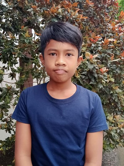 Help Reggie V. by becoming a child sponsor. Sponsoring a child is a rewarding and heartwarming experience.