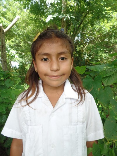 Help Grisis Lizbeth by becoming a child sponsor. Sponsoring a child is a rewarding and heartwarming experience.