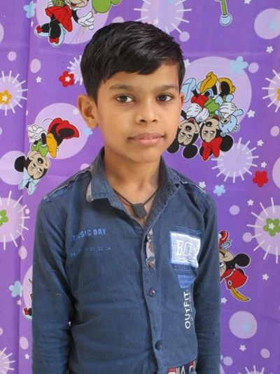 Help Aadil by becoming a child sponsor. Sponsoring a child is a rewarding and heartwarming experience.