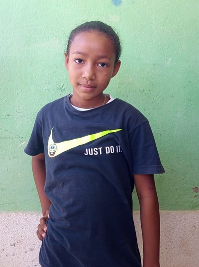 Help Tania by becoming a child sponsor. Sponsoring a child is a rewarding and heartwarming experience.