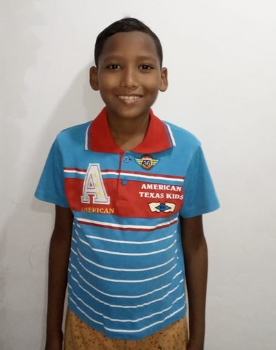 Help Angel David by becoming a child sponsor. Sponsoring a child is a rewarding and heartwarming experience.