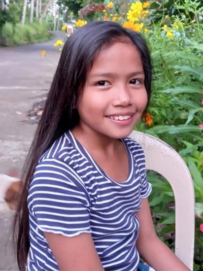 Help Joan Ll. by becoming a child sponsor. Sponsoring a child is a rewarding and heartwarming experience.