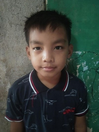 Help John Carl R. by becoming a child sponsor. Sponsoring a child is a rewarding and heartwarming experience.