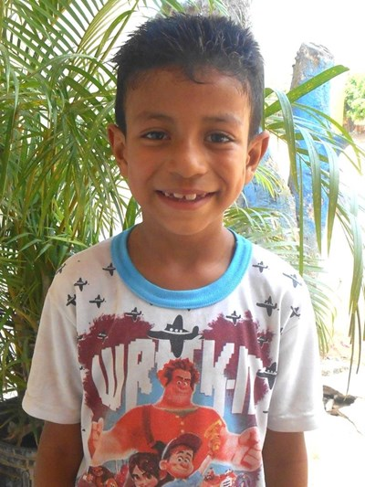 Help Yoimar Enrique by becoming a child sponsor. Sponsoring a child is a rewarding and heartwarming experience.