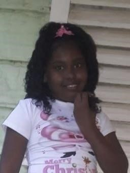 Help Edileini Yarianni by becoming a child sponsor. Sponsoring a child is a rewarding and heartwarming experience.