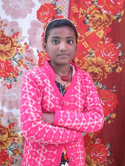 Help Aarti by becoming a child sponsor. Sponsoring a child is a rewarding and heartwarming experience.