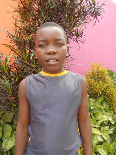 Help Julius by becoming a child sponsor. Sponsoring a child is a rewarding and heartwarming experience.