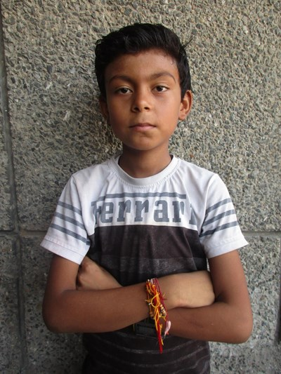 Help Umang by becoming a child sponsor. Sponsoring a child is a rewarding and heartwarming experience.