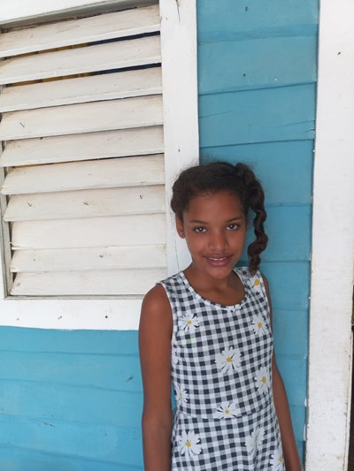 Help Elenice by becoming a child sponsor. Sponsoring a child is a rewarding and heartwarming experience.